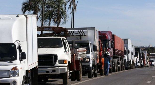 Fim da cobrança por eixo suspenso foi demanda de caminhoneiros para acabar greve