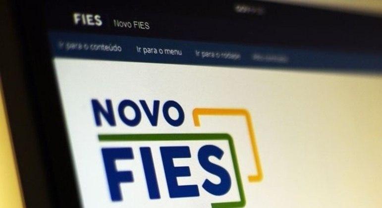 MEC prorroga prazo para renovação de contrato do Fies