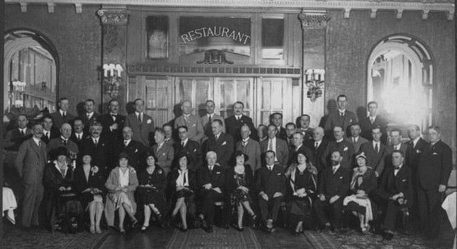 Reunião da FIFA em 1929, inclusive com senhoras