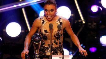 __É hexa! Marta é eleita a melhor jogadora do mundo pela 6ª vez__ (Reprodução)