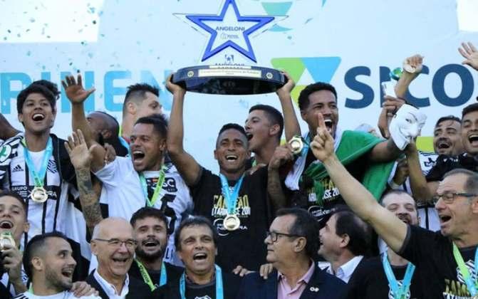 Figueirense, de Santa Catarina - 18 títulos