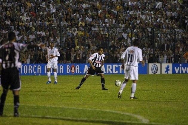 Figueirense - Em 2004, o Figueirense passou pelo Internacional (1-0), Athletico-PR (3-0) e Santos (2-1). No fim da temporada, a equipe terminou em 11º lugar no Brasileirão com 63 pontos.