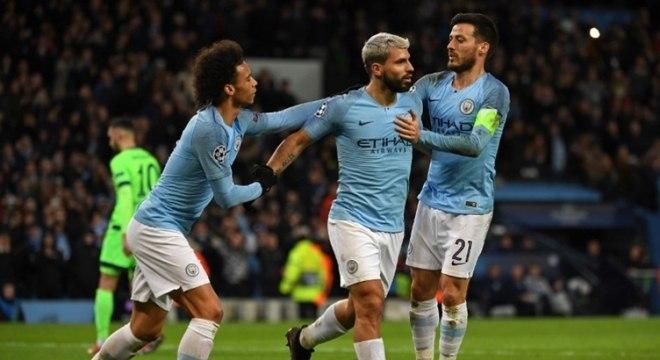 Figura de destaque recente no cenário do futebol europeu, o Manchester City, mesmo em pouco tempo, já foi às quartas de finais da Liga dos Campeões em duas oportunidades (2017/18; 2015/16), sendo semifinalista em 2015/16. (Foto: Paul ELLIS / AFP)