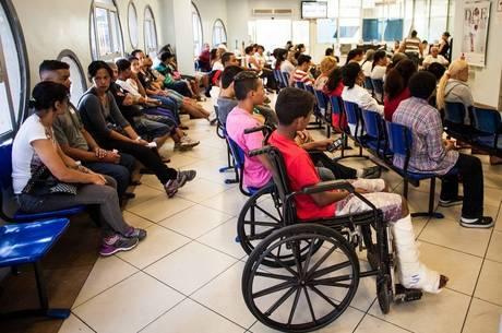 Filas na saúde pública são preocupantes para eleitores