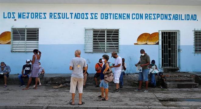 Havana impõe toque de recolher para evitar disseminação do coronavírus