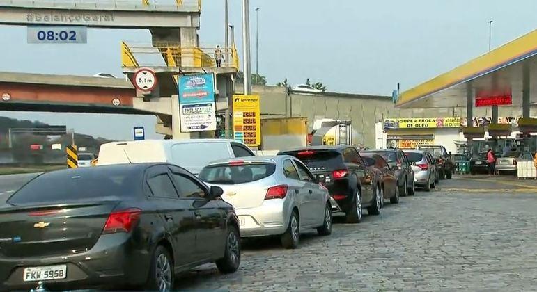 Motoristas correram para postos com receio de desabastecimento de combustíveis