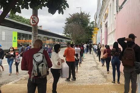 Shoppings tiveram aglomeração na 1ª reabertura