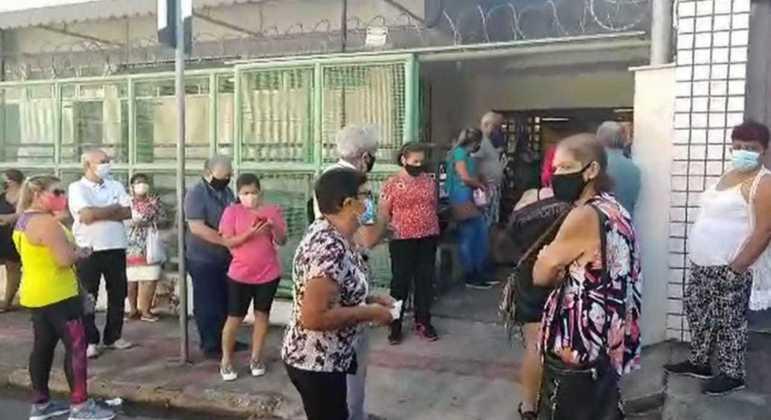 Professores começaram a ser vacinados em Belo Horizonte nesta semana