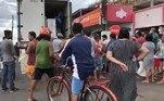Um incêndio em uma estação de energia deixou Macapá e outros 14 municípios do Amapá sem energia elétrica.O incêndio ocorreu às 20h47 da última terça-feira (3) na subestação de Macapá – houve uma interrupção de cerca de 250 MV de carga elétrica, afetando severamente o suprimento de energia. Com isso, houve um desligamento das linhas de transmissão e de duas hidrelétricas que abastecem a região (Coaracy Nunes e Ferreira Gomes)