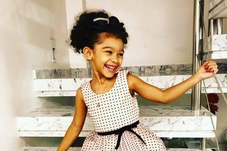 Com apenas 5 anos, ela compôs música com Naldo