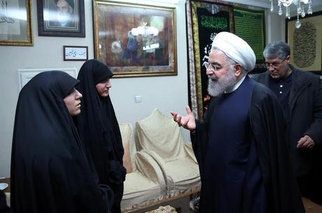 Filha de Soleimani ameaça EUA com 'dias sombrios'