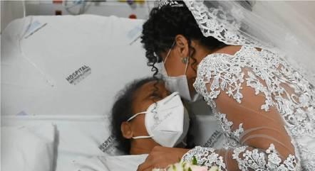 Verônica recebeu a benção da mãe no hospital