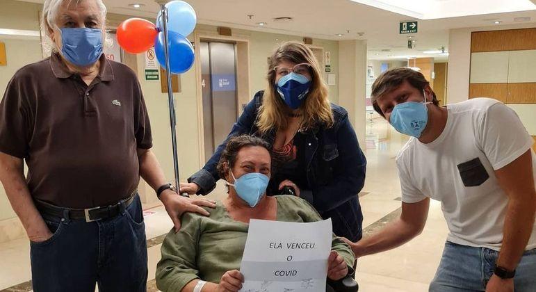 Atriz recebeu alta após período internada por complicações da covid-19