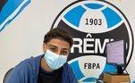 Adriano Carvalho também publicou em suas redes agradecendo a oportunidade oferecida pelo Tricolor gaúcho: ''Nova casa, nova camisa, nova oportunidade! Obrigado, Grêmio.''