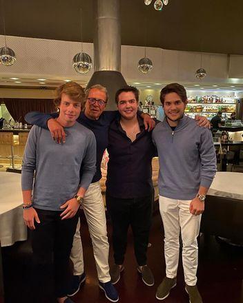 Em agosto do ano passado, ele marcou presença em um restaurante em Vilamoura, estância localizada na região de Algarve, no Sul de Portugal
