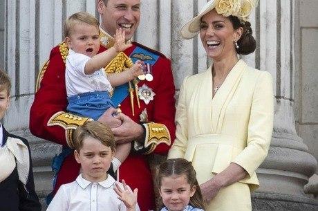 William, Kate Middleton e os três  filhos