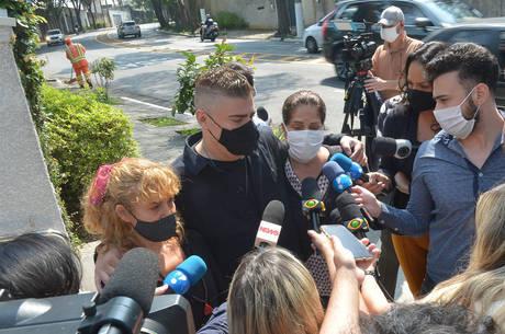 Aretha, Rafael e Amanda conversaram com a imprensa
