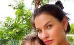 Em um dos posts de Samuel ao lado de Andressa, os fãs comentaram sobre quem o garoto mais se parece, com o pai ou com a mãe: