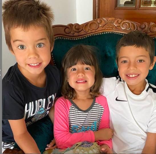 Luana e Scooby são pais de Dom, Bem e Lis