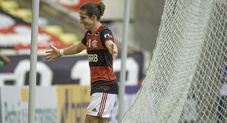 Filipe Luís - Lateral-esquerdo - 35 anos - Contrato até 31/12/2021