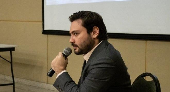 Após briga na justiça, Filipe Sabará falta a agenda de campanha na zona sul