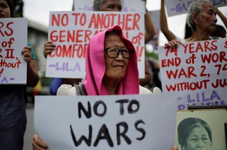 Mulheres fizeram protesto contrário ao Japão
