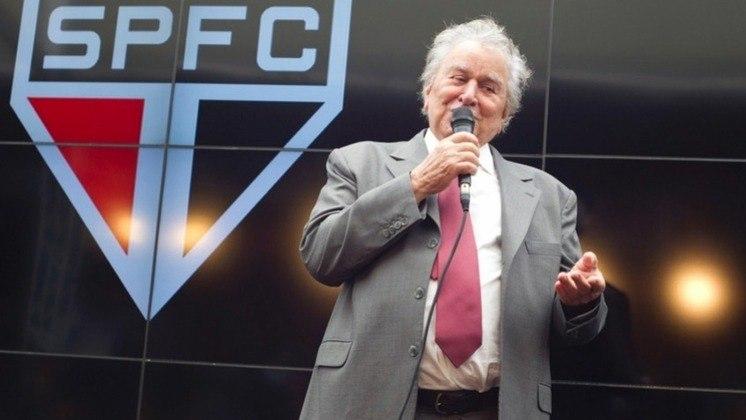 Fim da parceria (2010) - Em janeiro de 2010, o São Paulo rompeu o contrato com a LG. A empresa chegou a oferecer R$ 24 milhões por ano por um contrato de duas temporadas, mas o presidente Juvenal Juvêncio disse que só fecharia negócio por R$ 30 milhões.