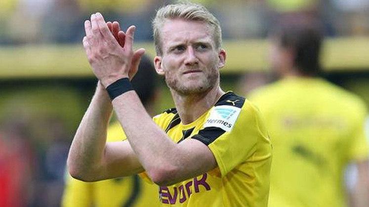 FIM DE CICLO - Um dia após romper o contrato com o Borussia Dortmund, Schurrle surpreendeu ao anunciar sua aposentadoria do futebol aos 29 anos.