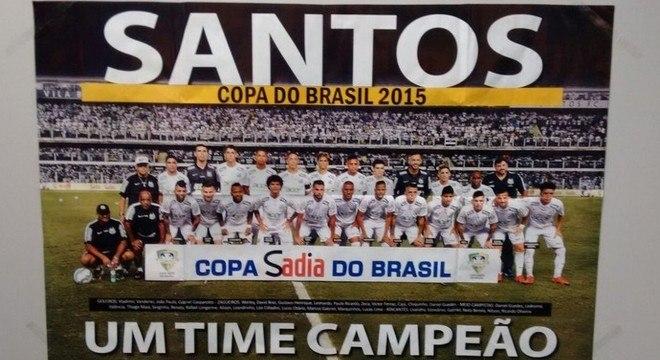 Final da Copa do Brasil: antes da segunda partida, um pôster exibindo o Santos como campeão da competição começou a ser vendido nas bancas de São Paulo. A iniciativa causou polêmica e serviu de estímulo para o Palmeiras para o jogo de volta