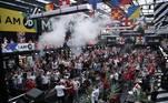 Em Londres, o gol relâmpago também foi muito comemorado por ingleses em pubs e áreas públicas