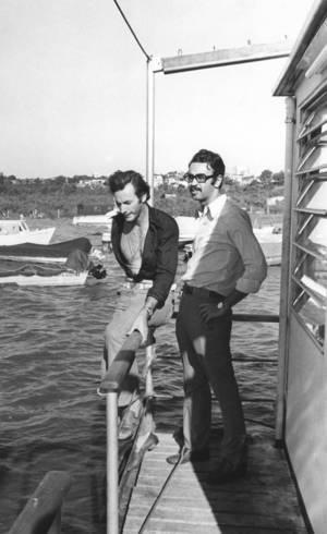 Fininho e eu (de óculos), durante entrevista no Uruguai