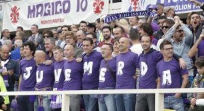 """No começo da década de 80, a torcida """"Viola"""" recebe os rivais da Juventus"""