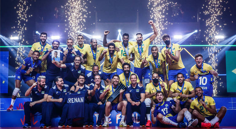Brazilians erupt in joy for their gold medal win over Poland, as the last whistle blows at the 2021 FIVB Men's Volleyball Nations League.