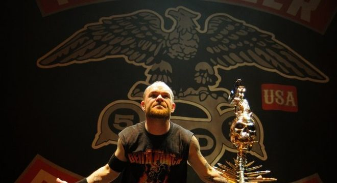 "Five Finger Death Punch lança a pesada ""Full Circle""; ouça agora"