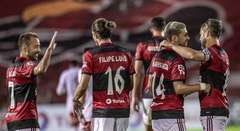 Flamengo muito mais objetivo e vibrante. Como Rogério Ceni havia prometido