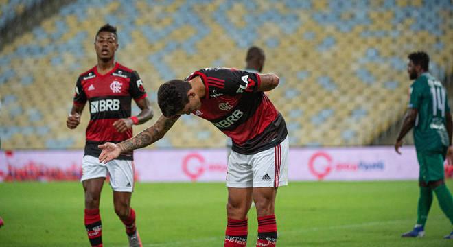 Pedro marcou o primeiro gol. Flamengo se impôs no gramado e na transmissão