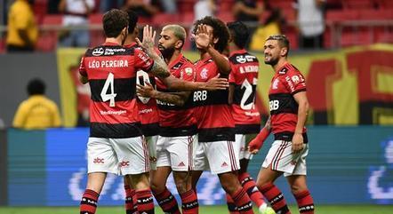 Flamengo vem pressionando pela volta de público