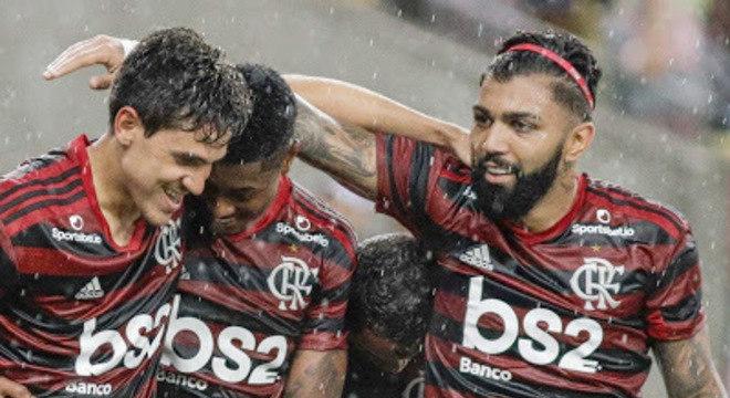A festa da volta do Flamengo com seus titulares e estreias. A Globo perdeu