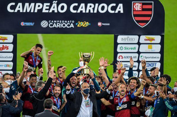 Flamengo campeão carioca. SBT bateu o Jornal Nacional transmitindo a decisão