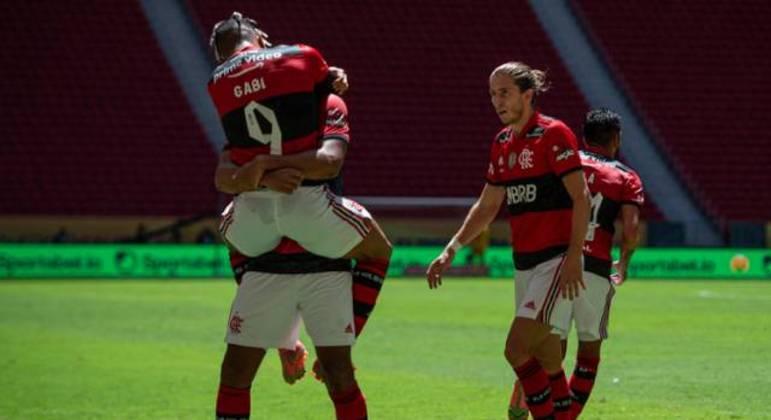 Diego Alves foi sensacional. Três defesas e a catimba sobre Danilo. Flamengo campeão