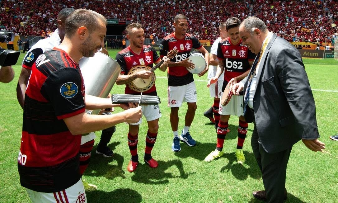 Flamengo comemora a volta do público, liberada pela Conmebol. Jogará no estado que autorizar torcedores