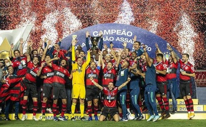Flamengo - 13 títulos: oito Campeonatos Brasileiros, três Copas do Brasil, uma Supercopa do Brasil e uma Copa dos Campeões