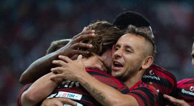 Flamengo  supera cansaço com muita união. Cansou depois de abrir 3 a 0