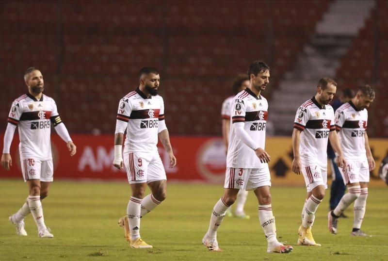 A desilusão, vergonha, tensão na fisionomia dos jogadores humilhados em Quito