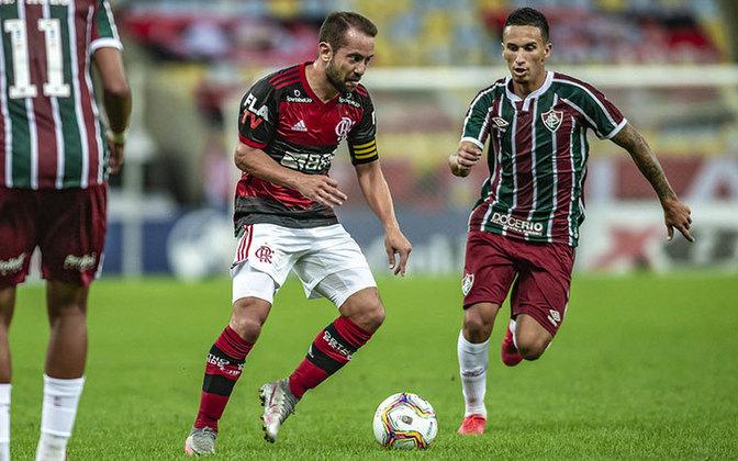 FLAMENGO 1x0 FLUMINENSE - O último ato de Jorge Jesus como técnico do Flamengo foi com um título. Após o 2 a 1 sobre o Fluminense no jogo de ida, os rubro-negros levaram o Estadual batendo por 1 a 0 o Flu, com gol de Vitinho.