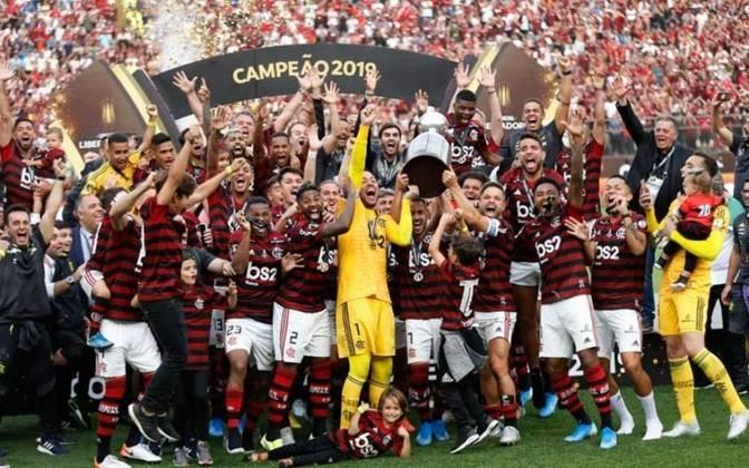 Flamengo 2 X 1 River Plate - Final Copa Libertadores 2019 - A primeira final de Libertadores em jogo único colocou o Flaamengo diante do River Plate. Com dois gols de Gabigol nos minutos finais, os brasileiros venceram por 2 a 1 e levaram a taça.