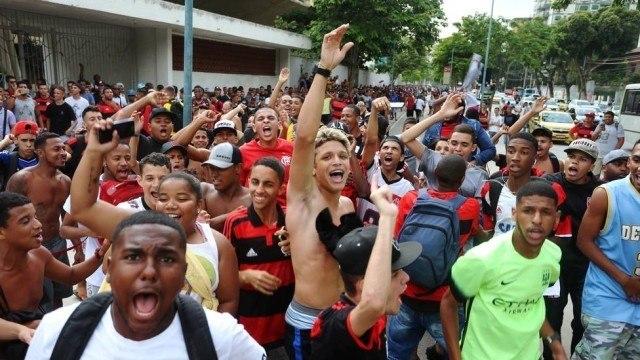 Em plena pandemia,direção do Flamengo é a única que assume querer a volta da torcida