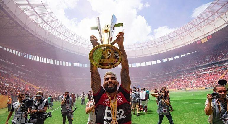 O Flamengo usou sua popularidade e títulos para desbancar lucrar como nunca