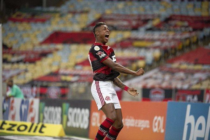 Bruno Henrique comemora seu gol. Mas poderia ter feito pelo menos mais quatro