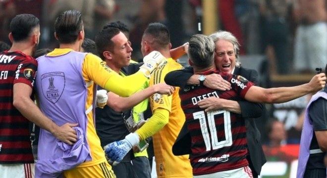 A alegria incontida na virada inesperada, e injusta, do Flamengo